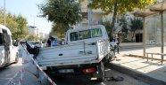 Yolcu minibüsü kamyonetle çarpıştı