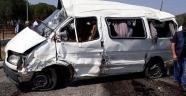 Yolcu taşıyan transit ile otomobil çarpıştı! 2 ölü 8 yaralı