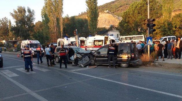 Trafik kazası: 2 ölü, 7 yaralı