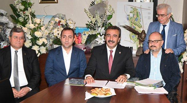 Usta çizerler Adana'ya geliyor