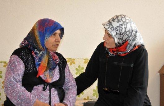 Vali Demirtaş'ın Eşinden Şehit Ailelerine Ziyaret