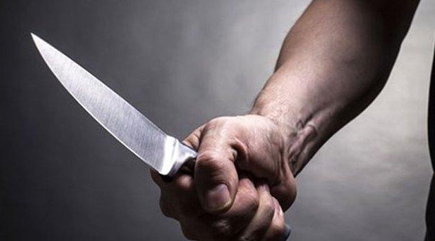 Yastığın altındaki bıçakla eşini öldürdü