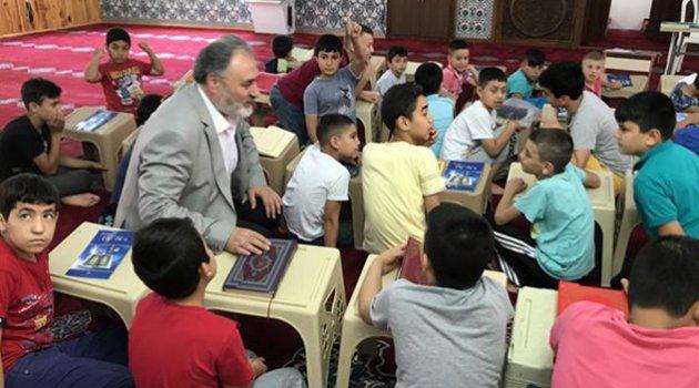 Yaz Kur'an kurslarına çocuklardan yoğun ilgi