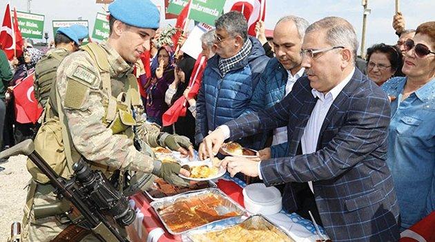 Yüreğir'den askere destek ziyareti