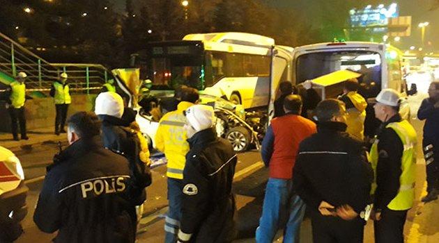 Zincirleme trafik kazası! 2 ölü 2 yaralı