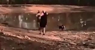 Kanguru saldırısına uğradı