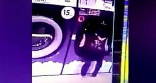Kardeşini kurutma makinesinin içine attı