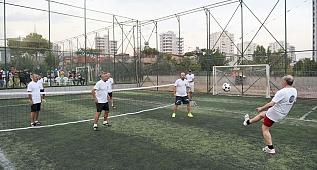 Seyhan'ın 'Ayak Tenisi Turnuvası'na büyük ilgi