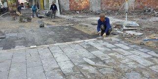 Adana Büyükşehir, kaldırım çalışmasını sürdürüyor
