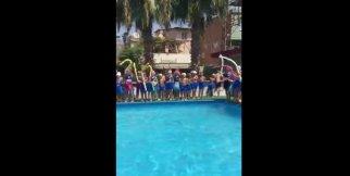 Yüzme Öğrenen Çocuklar Sertifikalarını Aldı