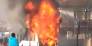 Özel halk otobüsü alev alev yandı