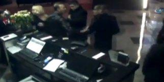 Ünlü oyuncuya saldırı anı kamerada