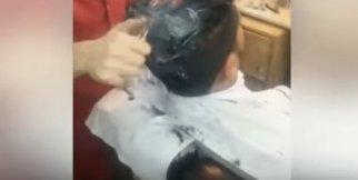 Ateşle Yakarak Saç Tıraşı Eden Berber