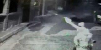 Oyuncu Mehmet Aslan'ın evini kurşunlayan zanlılar kamerada